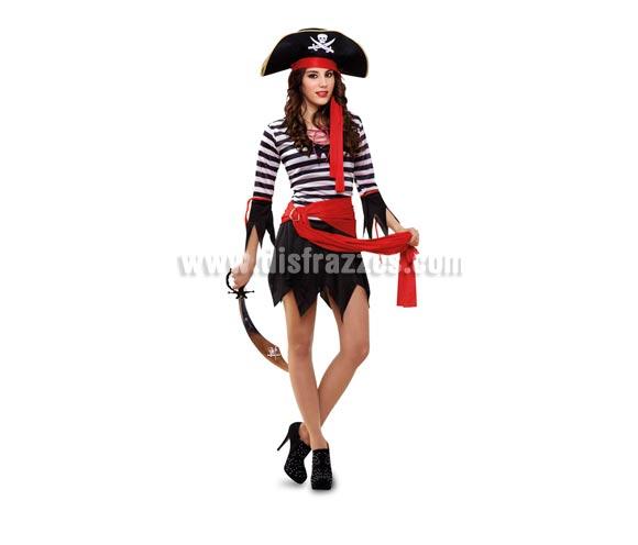 Disfraz de Pirata Adulta Económico. Talla Standar M-L = 38/42. Incluye sombrero, vestido y cinturón. Espada, medias y botas NO incluidas, podrás verlo en la sección de Complementos.