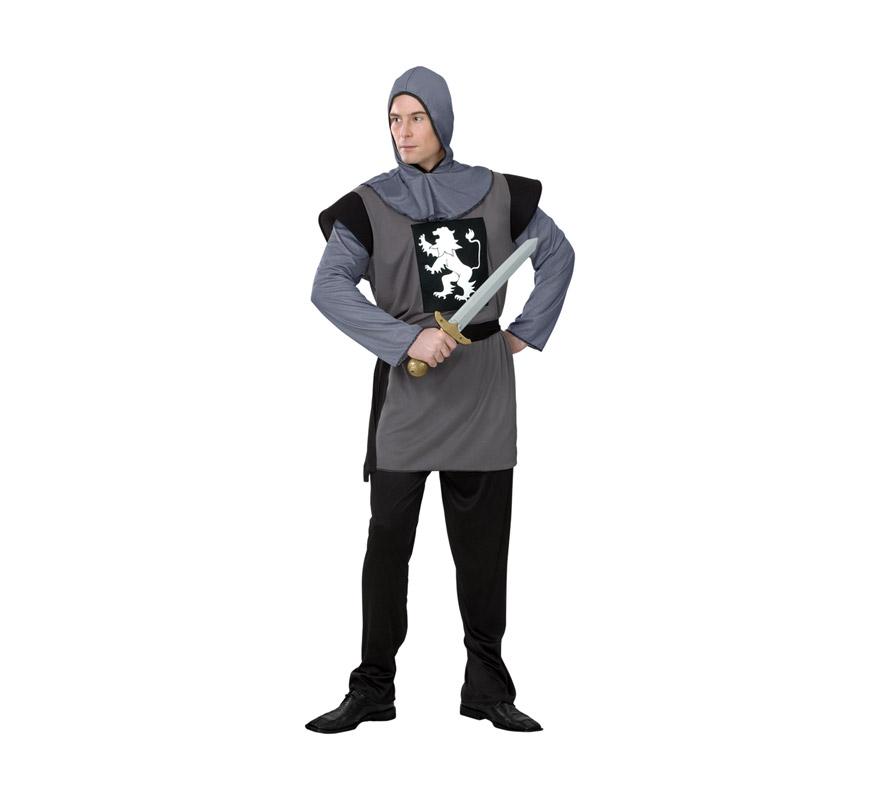 Disfraz de Caballero Medieval barato para hombre. Talla Standar M-L 52/54. Incluye capucha, camisa, pantalón y cinturón. espada NO incluida, podrás verla en la sección Complementos. Disfraz de Guerrero Medieval para hombre.