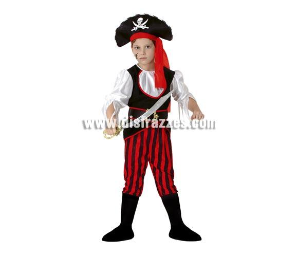 Disfraz de Pirata niño barato para Carnaval. Talla de 5 a 6 años. Incluye camisa, cinturón, sombrero y pantalón con cubrebotas. Espada NO incluida, podrás verla en la sección de Complementos.