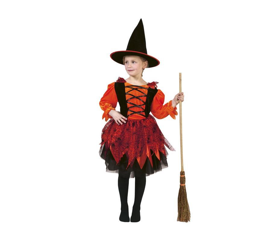 Disfraz de Bruja barato para Halloween Talla de 4 a 6 años. Incluye sombrero y vestido. Escoba NO incluida, podrás verla en la seción de Complementos. Éste disfraz de Halloween es ideal para celebrar la Fiesta de la Noche de las Brujas cada vez más arraigada en nuestro País en Pub's, Discotecas, Casas particulares,  Restaurantes o Colegios y ayudar a crear un ambiente terrorífico y tenebroso indispensable para la Noche de Halloween la cual se celebra la víspera de Todos los Santos. ¡¡Compra tu disfraz para Halloween en nuestra tienda de disfraces, será divertido!!