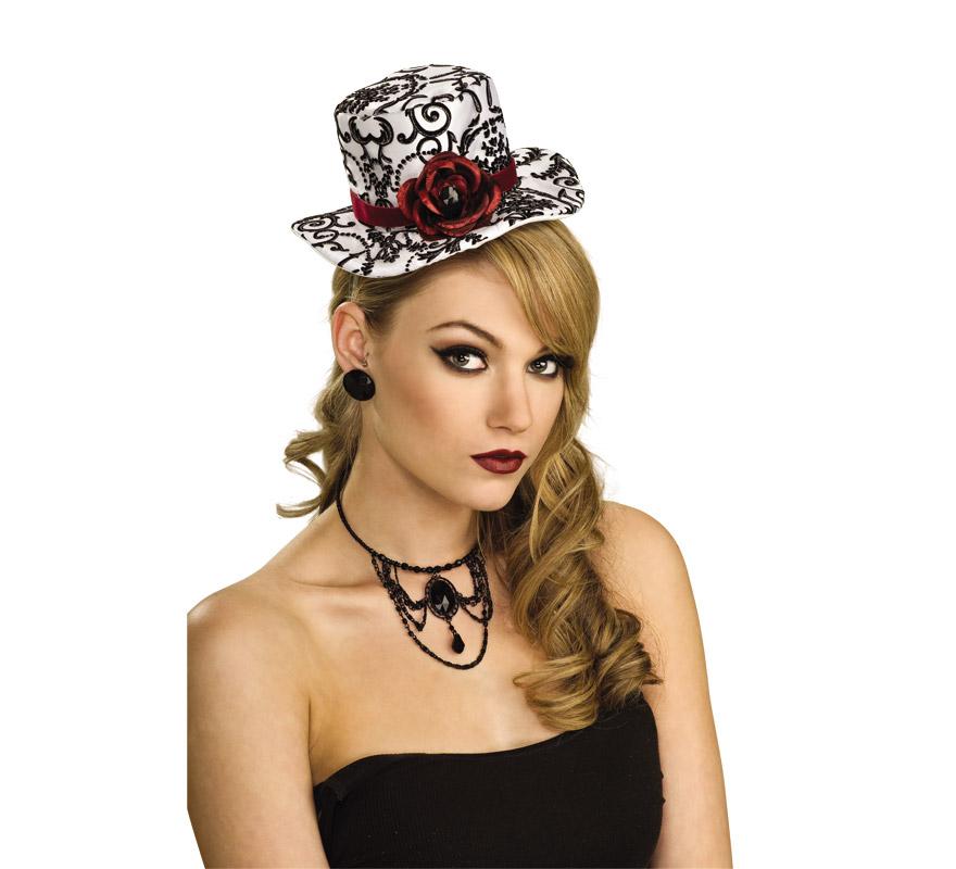 Mini sombrero blanco y negro con Rosas Rojas. También es muy bonito y original para Despedidas de Soltera.