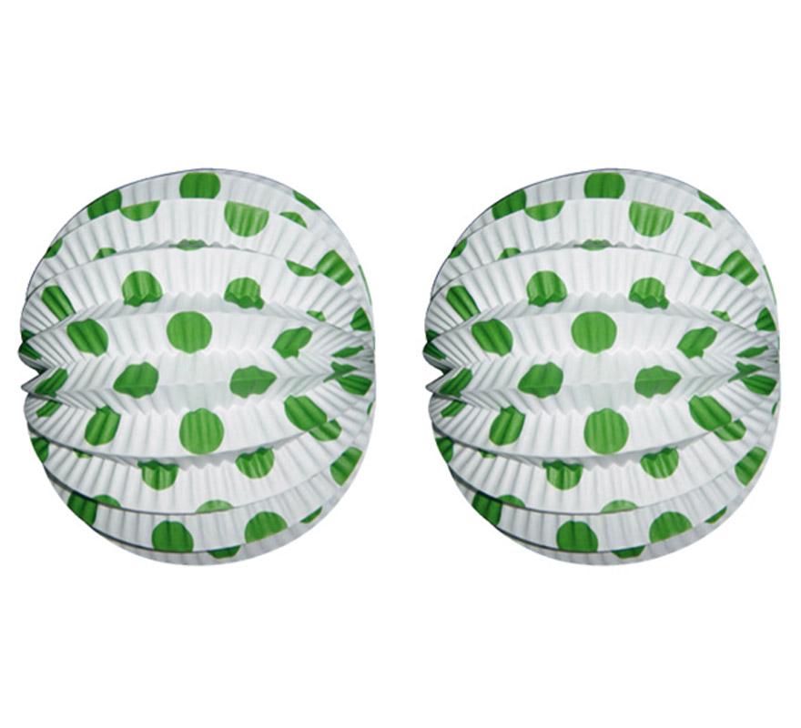 Bolsa de 12 uds. de Faroles blancos con lunares verdes de 22 cm de diámetro. Precio por bolsa de 12 uds. Ideal para decorar cualquier Fiesta Andaluza, Sevillana o Española. Perfectos para la Feria de Abril.