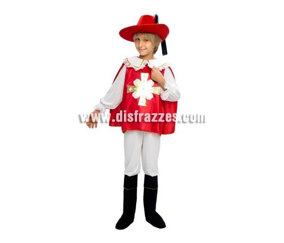 Disfraz barato de Mosquetero rojo infantil para Carnaval. Talla de 7 a 9 años. Incluye camisa con capa, pantalón y cubrebotas. Sombrero NO incluido.