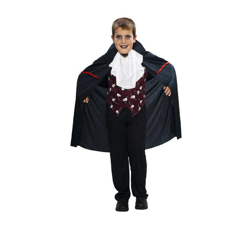 Disfraz de Vampiro niño barato para Halloween. Talla de 7 a 9 años. Disfraz de Drácula para niño. Incluye pantalones, camisa, cuello y capa. Cetro NO incluido.