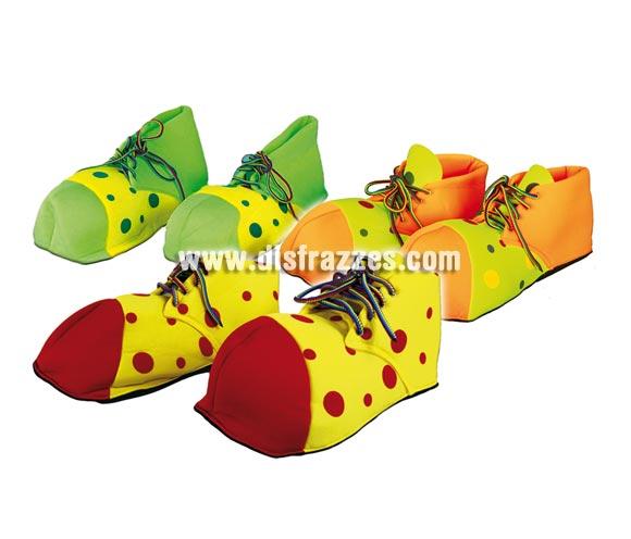 Par de Zapatos o Zapatones de Payaso 31 cm. mujer para Carnaval. Modelos surtidos. Válidos para las tallas de la 36 a la 41. Disponible en tres colores surtidos, precio por par, se venden por separado.