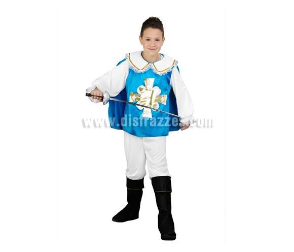 Disfraz de Mosquetero azul infantil para Carnaval. Talla de 5 a 6 años. Incluye camisa con capa, pantalón y cubrebotas. Espada o Florete NO incluido, podrás verlo en la sección de Accesorios.