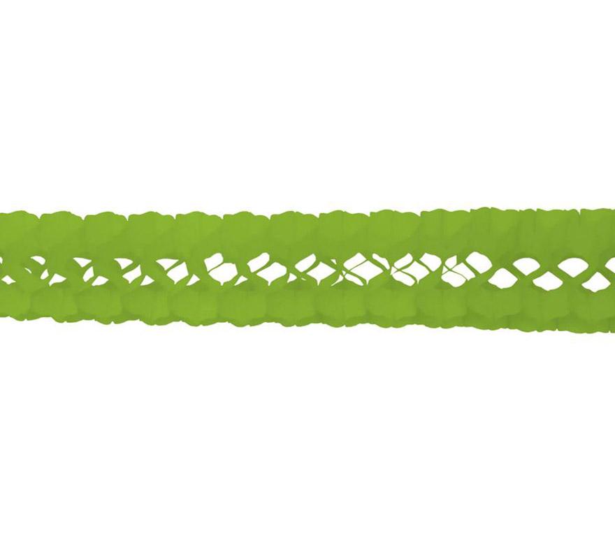 Guirnalda de papel en color verde pistacho de 17x300 cm.