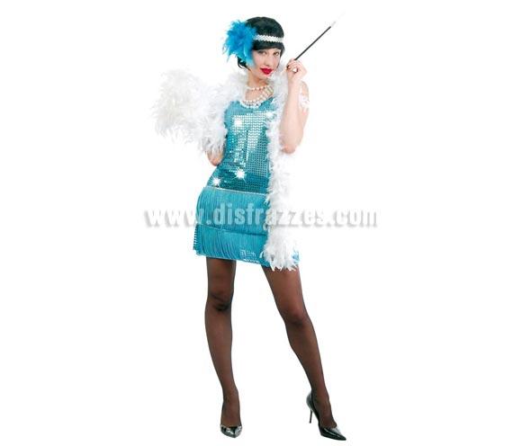 Disfraz de Charlestón azul adulta para Carnavales. Talla única 38/40. Incluye cinta de la cabeza y vestido con flecos por delante y por detrás. Tejido de alta calidad con lentejuelas. Pluma NO incluida, guantes NO incluidos, podrás verlos en la sección Complementos.