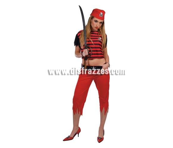 Disfraz de Pirata adulta. Talla Standar 38/42. Incluye pañuelo de la cabeza, camisa, pantalón y cinturón. Espada NO incluida, podrás verla en la sección de Complementos. Disfraz de Pirata para mujer.