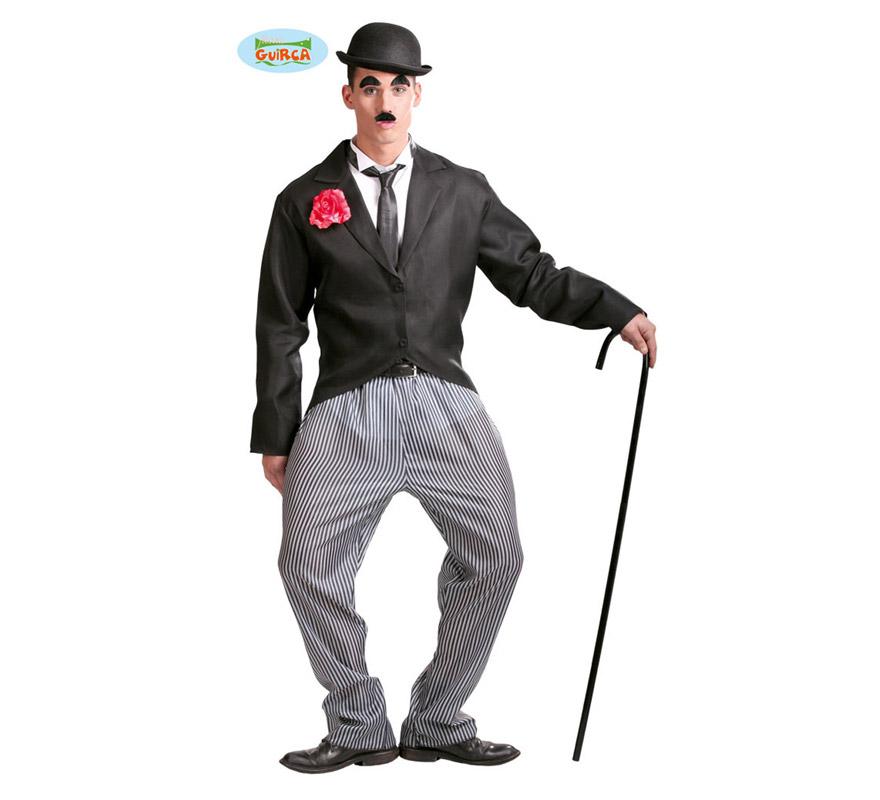 Disfraz de Charlie Chaplin para hombre adulto. Talla Standar 52/54. Incluye chaqueta y pantalón. Resto de accesorios NO incluidos, podrás verlos en la sección de Complementos. Éste disfraz de Charlot es muy original y perfecto para divertirse en cuanquier Fiesta.