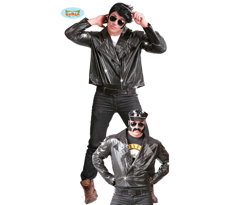 Chaqueta de Motorista o de Rockero negra para hombre.  Talla Standar 52/54.  Incluye sólo la chaqueta. Con éste disfraz parecerás John Travolta en la Película de Grease cuando interpretó a Danny, Tejido de alta calidad.