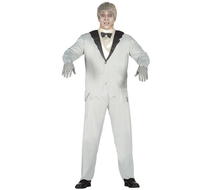 Disfraz de Novio Fantasma para hombre. Talla única 52/54. Incluye chaqueta con camisa, pajarita y pantalón. Con un buen maquillaje, unos guantes y una peluca parecerás un Novio Zombie en Halloween. Éste disfraz es la pareja ideal para el disfraz de Novia Fantasma.