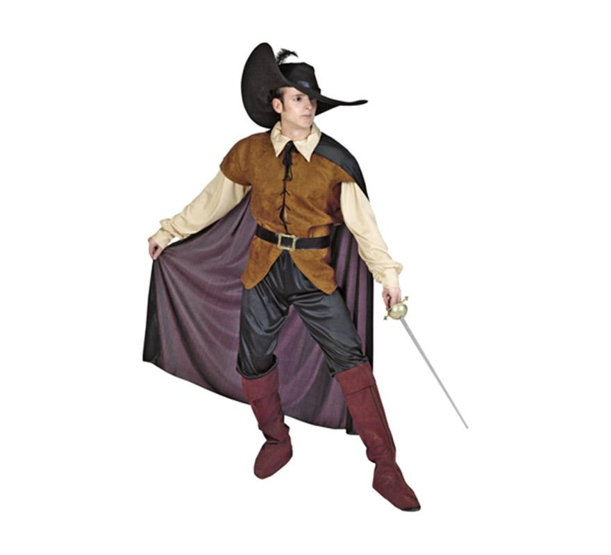 Disfraz de Espadachín adulto. Talla standar M-L 52/54. Incluye sombrero, camisa, cinturón, pantalones, botas de tela y capa. Traje de Mosquetero para hombre.