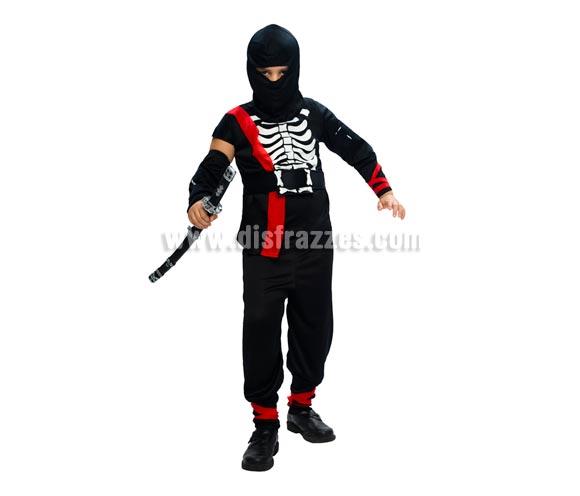 Disfraz de Ninja Esqueleto barato para Carnaval. Talla de 7 a 9 años. Incluye camisa, pantalones, máscara, cinturón y guante (sólo del lado derecho). Puñal NO incluido.