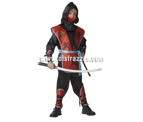 Disfraz de Ninja para niños de 5 a 7 años. Incluye pantalón, camisa, chaleco, capucha, cinturón, muñequeras y tobilleras. Espada NO incluida, podrás ver varias referencias en la sección de Complementos.