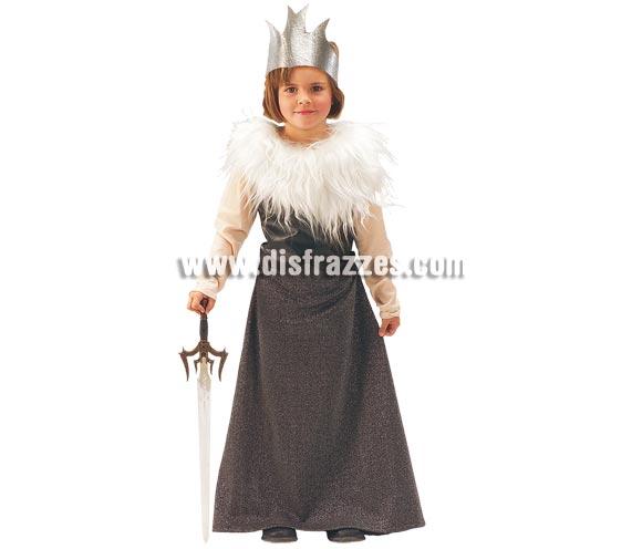 Disfraz barato de Tarnia para niñas de 5 a 7 años. Incluye vestido y corona. Espada NO incluida, podrás verla en Complementos. Éste disfraz es perfecto para jugar a interpretar la famosa saga de Las Crónicas de Narnia que tanto ha gustado a niños y a mayores.