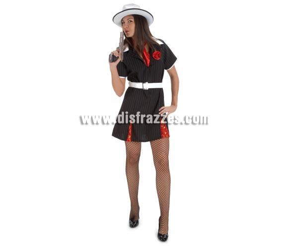 Disfraz de Gánster Mafiosa para mujer. Talla Standar. Incluye vestido, corbata y cinturón. Sombrero y pistola NO incluidos, podrás verlos en Complementos.