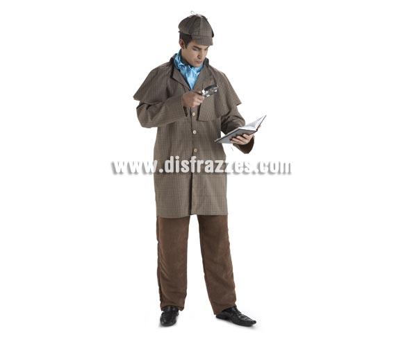 Disfraz de Detective Sherlock Holmes para hombre. Talla Standar. Incluye pantalón, gabardina, pañuelo y gorra. La lupa la tenemos en la sección de Complementos.