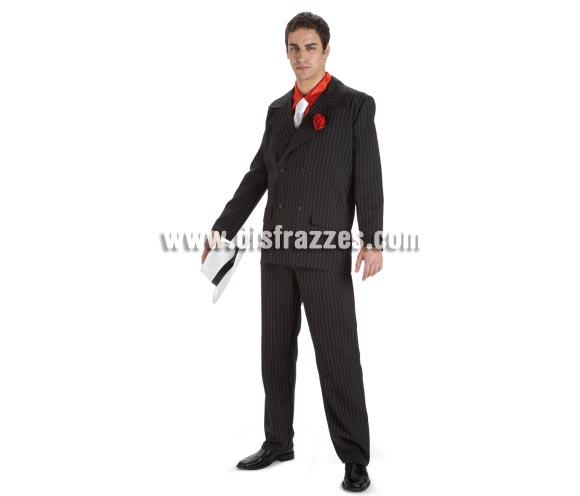 Disfraz de Ganster Alcapone para hombre. Talla Standar. Incluye pantalón, chaqueta, camisa y corbata. Sombrero NO incluido, lo podrás ver en la sección de Complementos.