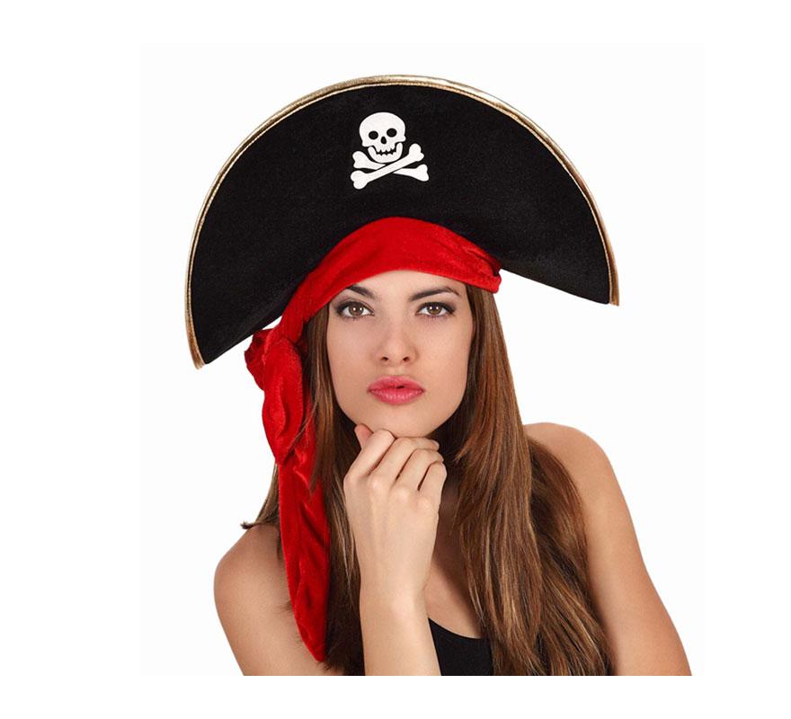 Sombrero Pirata con calavera y cinta roja.