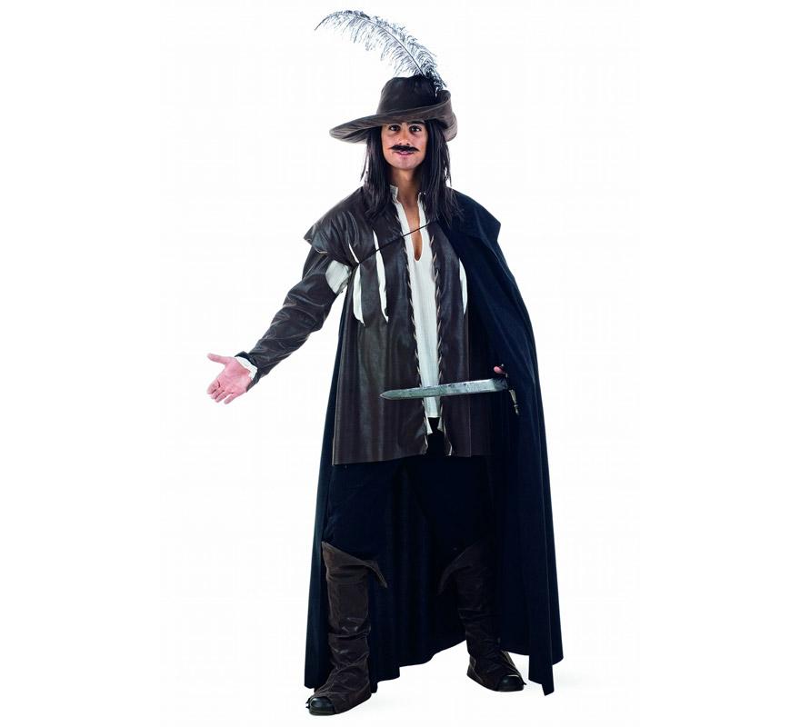 Disfraz de Capitán Diego Superluxe. Alta calidad en telas y acabados. Fabricado en España. Disponible en varias tallas. Incluye camisa, pantalón, capa, cubrebotas, sombrero y chaqueta. Disfraz de Alatriste para hombre.
