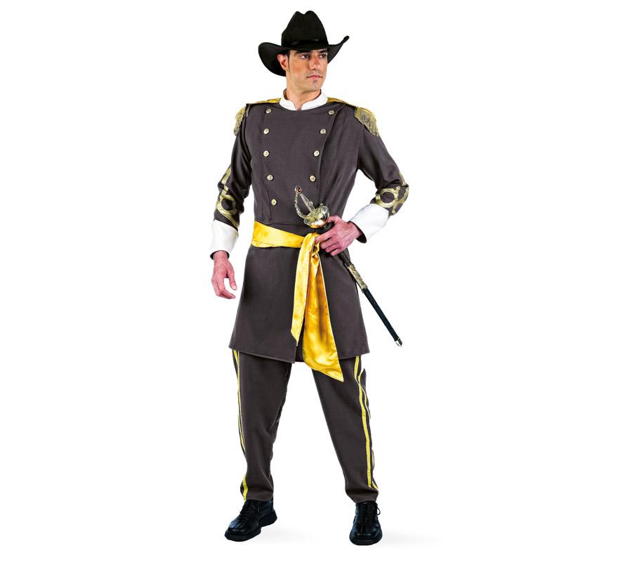 Disfraz de Confederado Deluxe para hombre. Alta calidad, hecho en España. Disponible en varias tallas. Incluye chaqueta, pantalón y fajín. Sombrero y florete No incluidos, podrás encontrar en nuestra sección de Complementos. Disfraz del Séptimo de Caballería del lejano Oeste.
