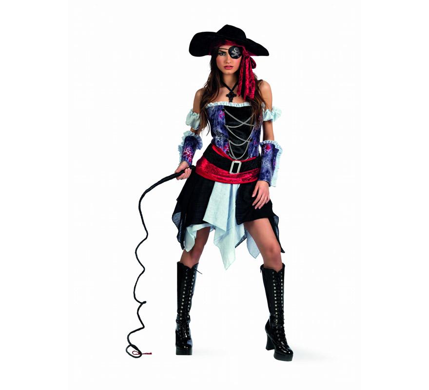 Disfraz de Pirata Corsario Deluxe para hombre. Alta calidad, hecho en España. Disponible en varias tallas. Incluye corpiño, falda, puños, fajín con cinturón y sombrero. Látigo, parche, cubrebotas y colgante No incluidos, podrás encontrarlos en nuestra sección de Complementos.