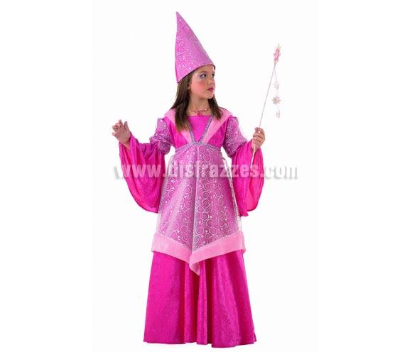 Disfraz de Hada Medieval infantil Deluxe. Hecho en España. Disponible en varias tallas. Incluye vestido y gorro. Varita NO incluida, podrás encontrar en nuestra sección de Accesorios.