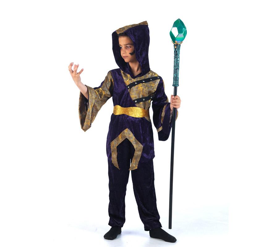 Disfraz de Teen-Vamps James Deluxe para niño. Alta calidad, hecho en España. Disponible en varias tallas. Incluye chaqueta, pantalón y cinturón. Bastón NO incluido, podrás encontrar en nuestra seccción de Complementos.