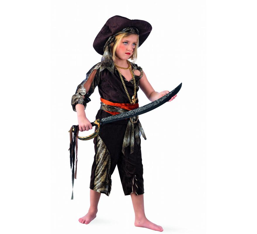 Disfraz de Pirata Aventurera Deluxe para niña. Alta calidad, hecho en España. Disponible en varias tallas. Incluye camisa, pantalón, fajín con cinturón y sombrero. Collar y espada NO incluidos, podrás encontrarla la Espada en nuestra sección de Complementos.
