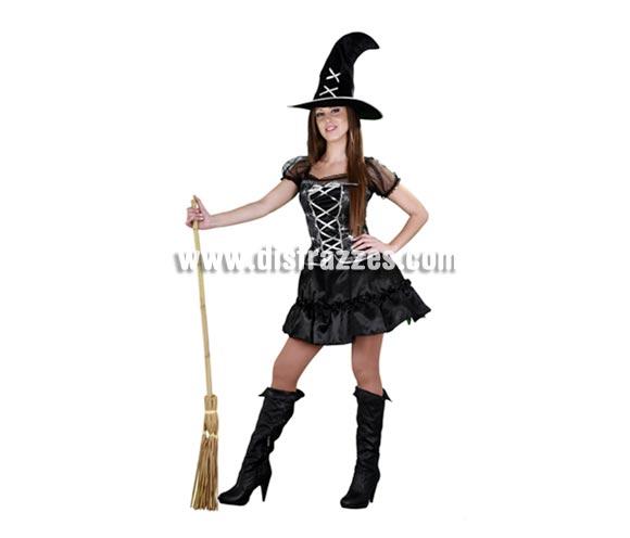 Disfraz de Bruja sexy traviesa negro con adronos plateados de adulta para Halloween. Talla estándar M-L = 38/42. Incluye sombrero y vestido. Escoba NO incluida, podrás verla en la sección Complementos.