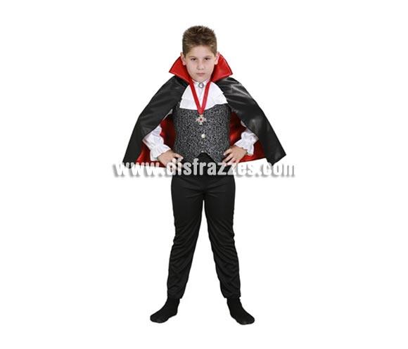 Disfraz de Conde Drácula infantil barato para Halloween. Talla de 5 a 6 años. Incluye camisa con chaleco y capa.
