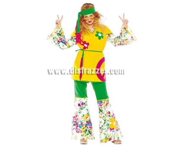 Disfraz de Hippie adulta para mujer. Talla única 38/44. Incluye cinta de la cabeza, casaca, cinturón y pantalón. Gafas NO incluidas, podrás ver gafas de Hippies en la sección Complementos.