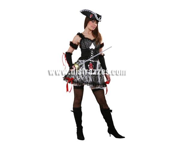 Disfraz de Lady Pirata adulta. Talla standar M-L 38/42. Incluye vestido, enagua, sombrero y mitones. Espado NO incluida, verás espadas en la sección Complementos. Traje de Lady Pirata sexy para mujer muy original y de bonito diseño que también nos puede servir en Halloween.