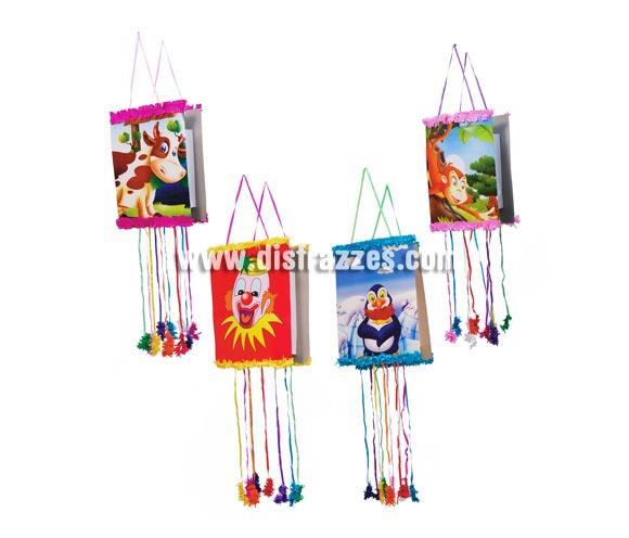 Piñata infantil plegable de 33x50 cm., varios modelos. Ideal para celebrar los cumpleaños de los niños, se rellenan de juguetitos o de Chuches y los críos se lo pasan en grande cuando tiran de sus cuerdas y cae todo al suelo.