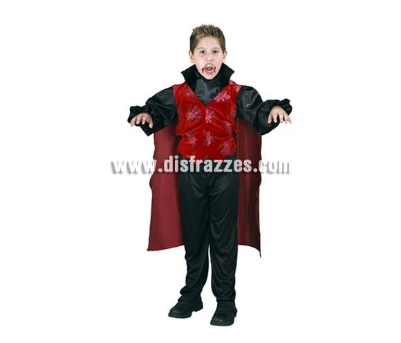 Disfraz de Vampiro infantil para Halloween barato. Talla de 5 a 6 años. Incluye pecherín, chaleco con capa y pantalón.