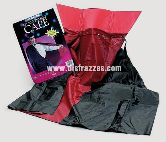 Capa negra y roja reversible de 1,15 m. de longitud perfecta para Halloween.