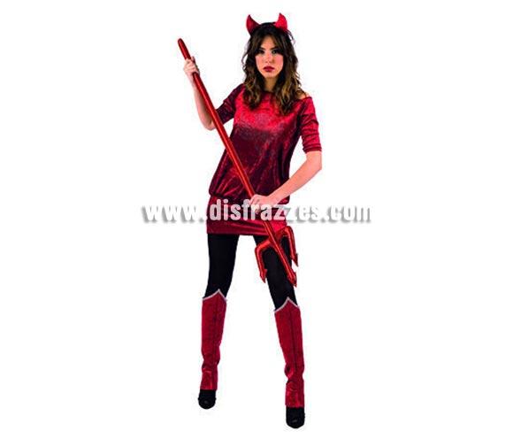 Disfraz de Diablesa Strass adulta deluxe para Halloween. Varias tallas. Incluye vestido con Strass, cubrebotas ya diadema con cuernos. Tridente NO incluido, podrás ver tridentes en la sección Complementos. Alta calidad. Hecho en España.