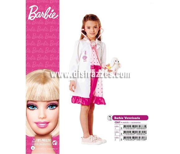 Disfraz de Barbie Veterinaria infantil para Carnaval. Varias tallas. Incluye vestido y accesorios. Disfraz con licencia MATTEL perfecto como regalo. Éste traje es perfecto para Carnaval y como regalo en Navidad, en Reyes Magos, para un Cumpleaños o en cualquier ocasión del año. Con éste disfraz harás un regalo diferente y que seguro que a los peques les encantará y hará que desarrollen su imaginación y que jueguen haciendo valer su fantasía.  ¡¡Compra tu disfraz para Carnaval o para regalar en Navidad o en Reyes Magos en nuestra tienda de disfraces, será divertido y quedarás muy bien!!
