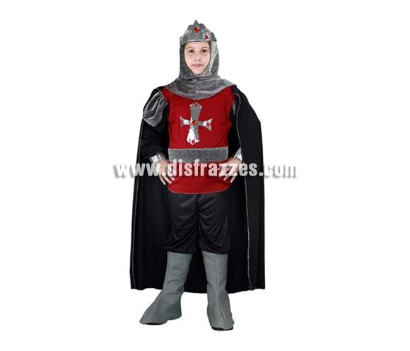 Disfraz barato de Soldado Medieval infantil para Carnaval. Talla de 5 a 6 años. Incluye camisa con capa, pantalón, cinturón, capucha y cubrebotas.