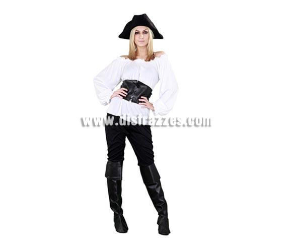 Disfraz de Moza Pirata blanca para chicas. Talla Satandar M-L = 38/42. Incluye sombrero, camisa, cinturón, pantalón y cubrebotas. Bonito y sobre todo original disfraz de Pirata para las chicas, sencillo pero de bonito diseño y muy complementado ya que incluye hasta el sombrero.
