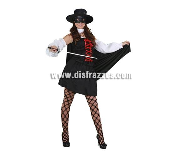Disfraz barato de la mujer del Zorro adulta. Talla standar M-L 38/42. Incluye gorro, antifaz, camisa, falda, capa y manguitos. Espada NO incluida, podrás verla en la sección Complementos.