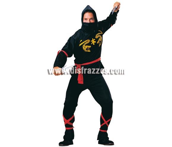 Disfraz de Ninja para hombre. Talla standar. Incluye pantalones, camisa con capucha, pañuelo, cinturón y bandas para las piernas y brazos.