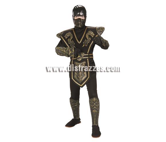 Disfraz de Guerrero Ninja oro para niños de 5 a 7 años. Incluye jumsuit (mono) con capucha, pecho, cubrepiernas, cubrezapatos de EVA y máscara. Disfraz que viene muy completo y que gusta mucho a los niños.