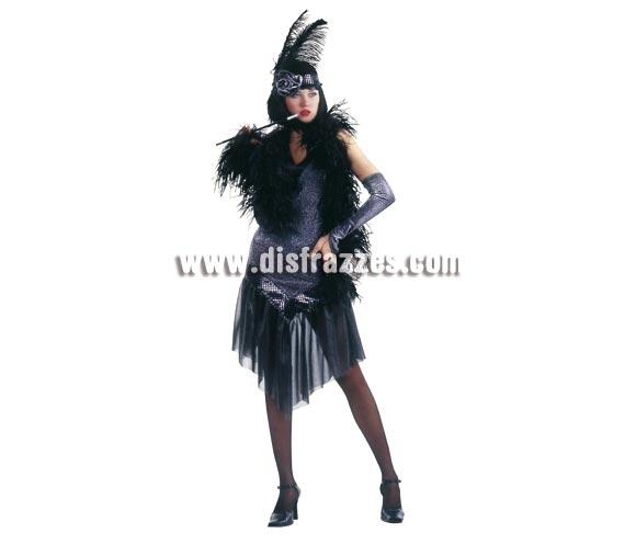 Disfraz de Charlestón negro para mujer. Talla standar. Incluye vestido, tocado y guantes. Tenemos también la peluca en la sección de Complementos.