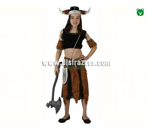 Disfraz de Vikinga para niñas de 7-9 años. Incluye falda, top, cubrebrazos y gorro. Hacha No incluida, podrás encontrar hachas en la sección de Complementos.