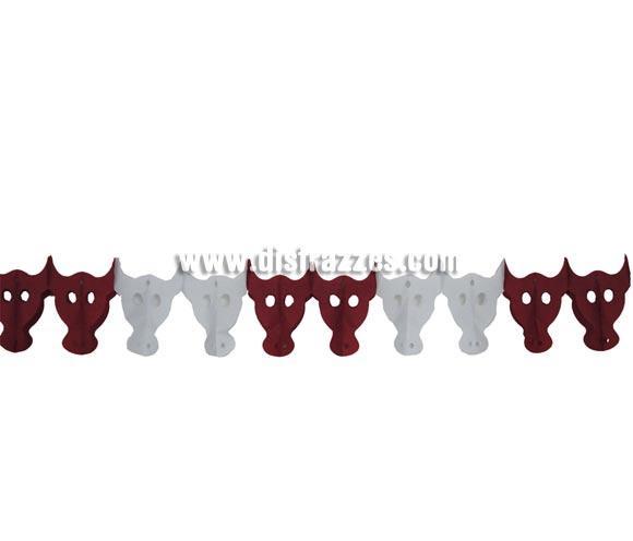 Guirnalda Toros de papel fantasía de 20 x 300 cm. No hay Guirnalda mejor para decorar una Fiesta Flamenca o Taurina.