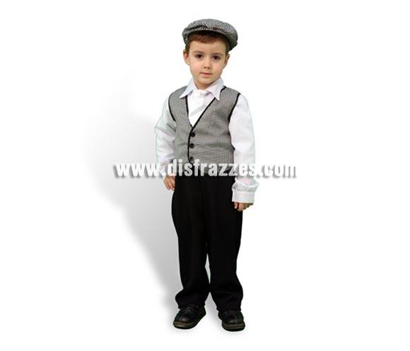 Disfraz de Madrileño para niños de 2 a 4 años. Incluye chaleco, pantalón, camisa, pañuelo y gorra. Éste traje de Chulapo infantil es ideal para la Feria de San Isidro de Madrid.