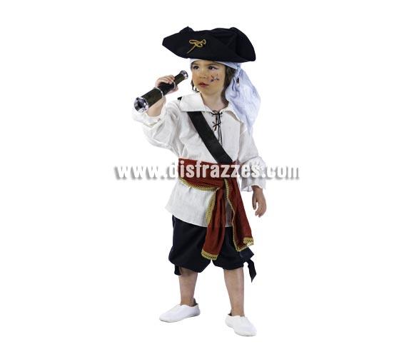 Disfraz de Pirata Drake Deluxe para niños. Alta calidad, hecho en España. Disponible en varias tallas. Incluye camisa, pantalón, fajín y sombrero con pañuelo. Catalejo No incluido, podrás encontrarlo en nuestra sección de Complementos.