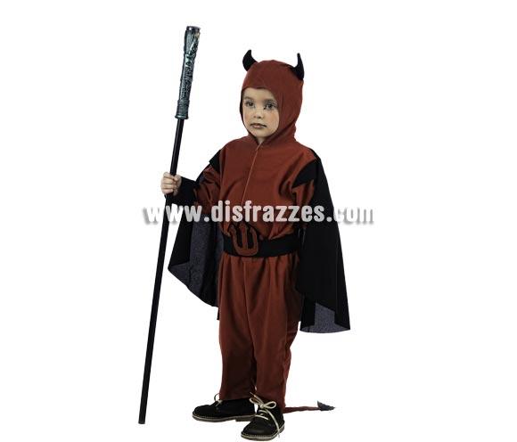 Disfraz de Diablo Deluxe para niño. Alta calidad, hecho en España. Disponible en varias tallas. Incluye camisa con capa, pantalón y gorro. Bastón No incluido.